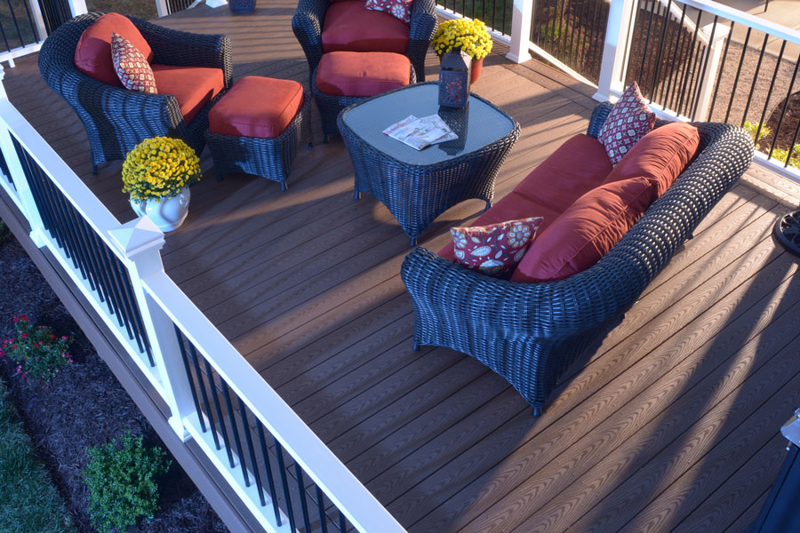veranda-capped-decking-brown-regency2