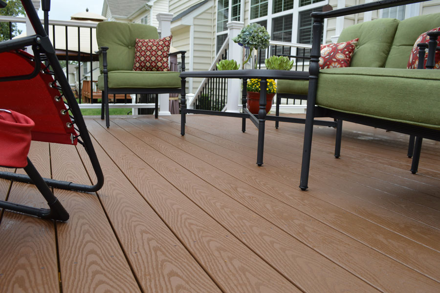 veranda-capped-decking-brown-regency3